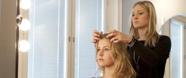 CWA parturi-kampaajakoulu